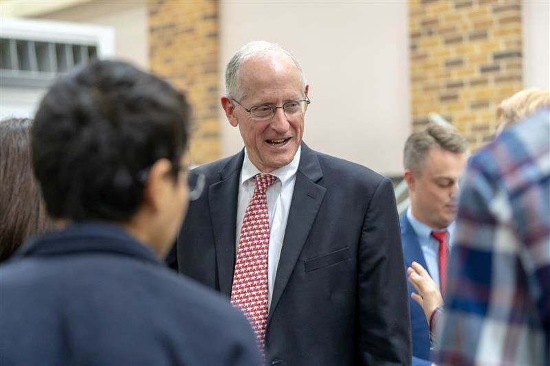 Congressman Mike Conaway visits Midland ISD